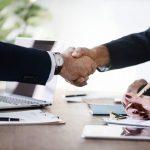 """Deal là gì? Nghĩa phổ biến của """"deal"""" trong lĩnh vực kinh doanh"""